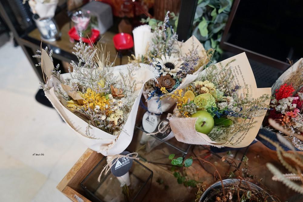 20161008103256 62 - 台中西區 弎學植務所 乾燥花環繞的平日限定下午茶 還可以手作DIY迷你花束