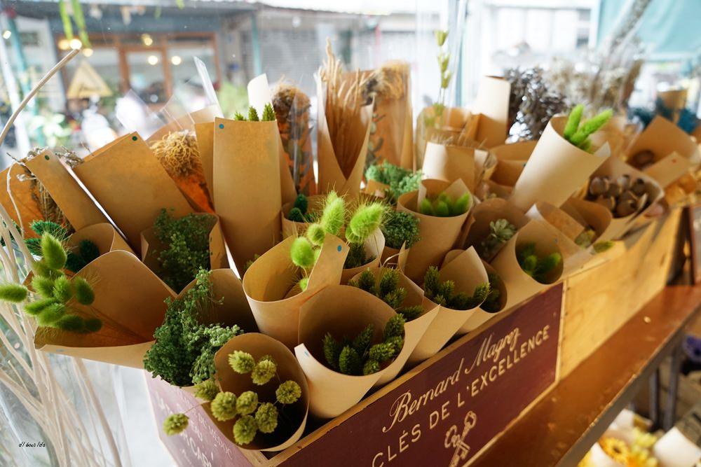 20161008103322 11 - 台中西區 弎學植務所 乾燥花環繞的平日限定下午茶 還可以手作DIY迷你花束