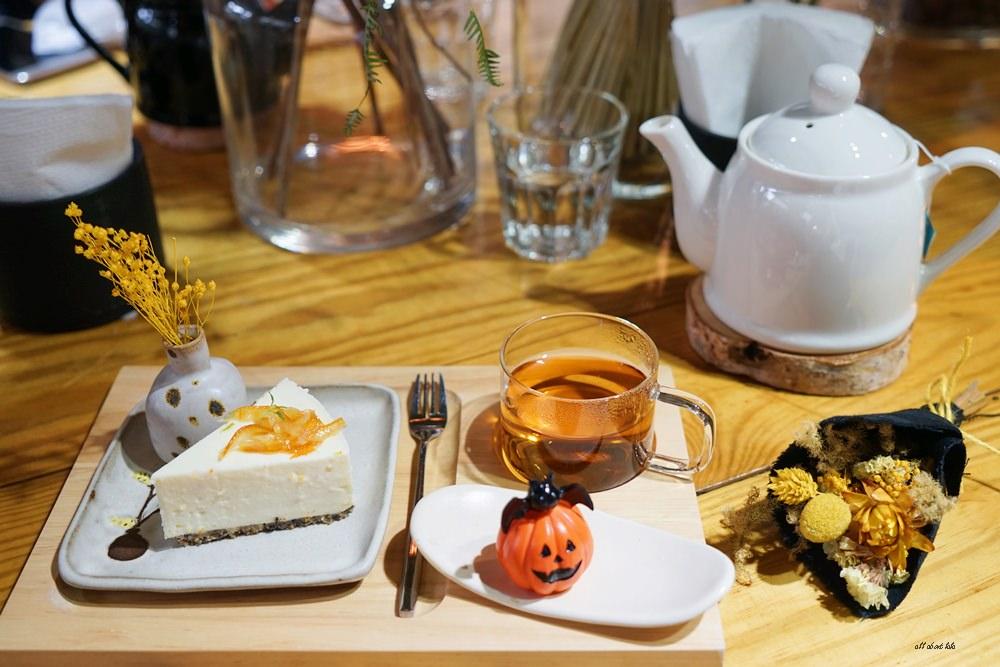 20161008103411 60 - 台中西區 弎學植務所 乾燥花環繞的平日限定下午茶 還可以手作DIY迷你花束