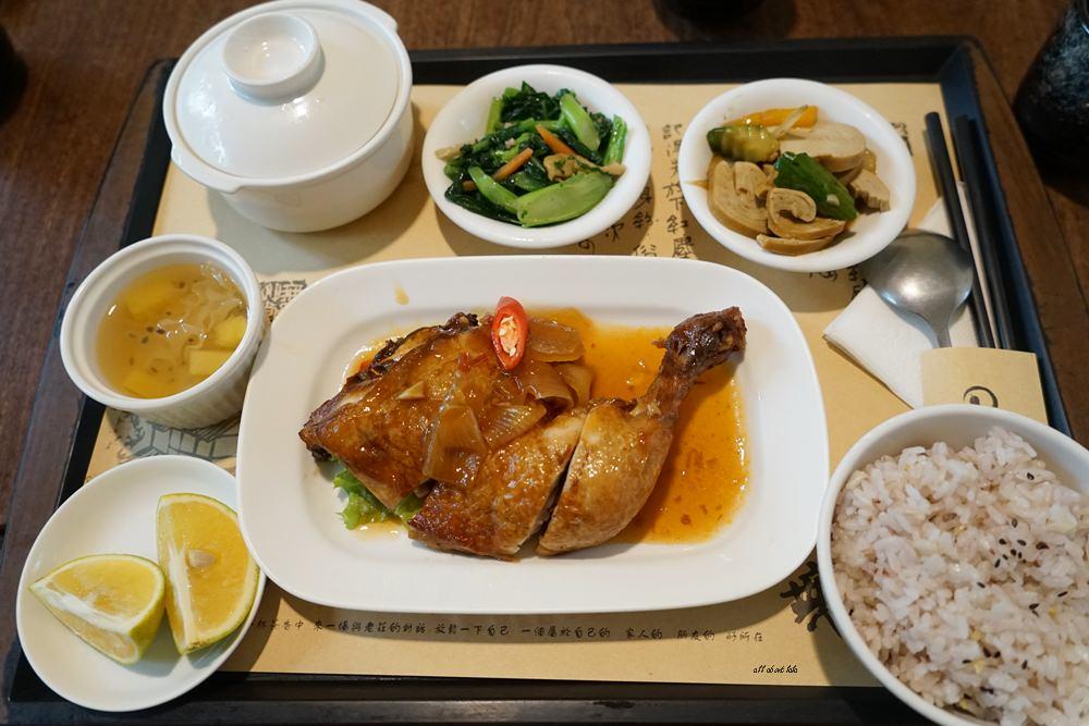 20161220182011 49 - 無為草堂人文茶館 台中市的世外桃源 團體聚餐 家庭朋友聚會餐廳推薦 還有包廂喔!