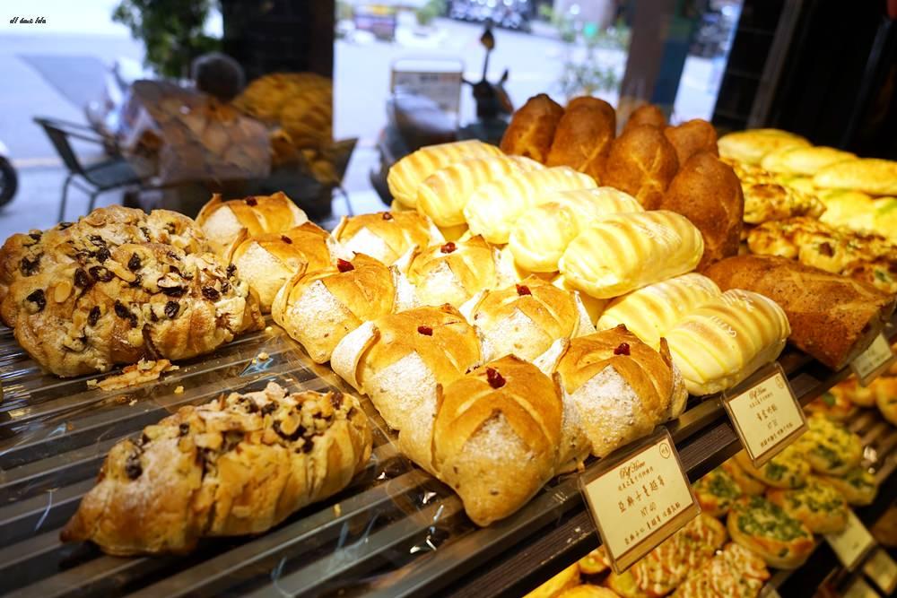 20170415104106 60 - 台中 泡芙之家 泡芙一顆銅板價 麵包甜點超平價 好吃推薦