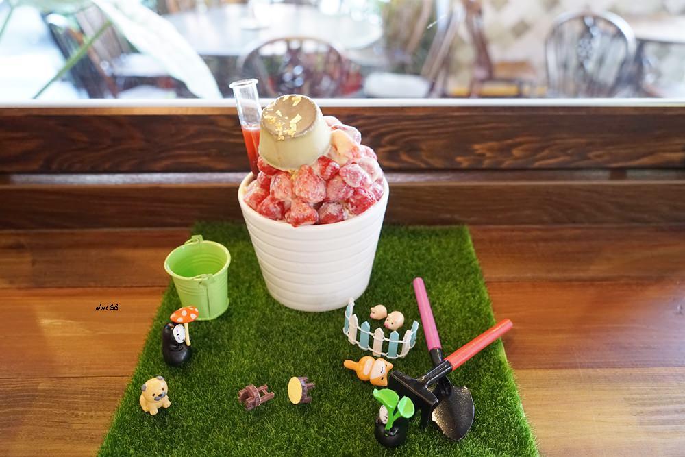 20170607171149 23 - 台中南屯 作客青果冰室 超浮誇的新鮮果汁與復古文青風冰品推薦