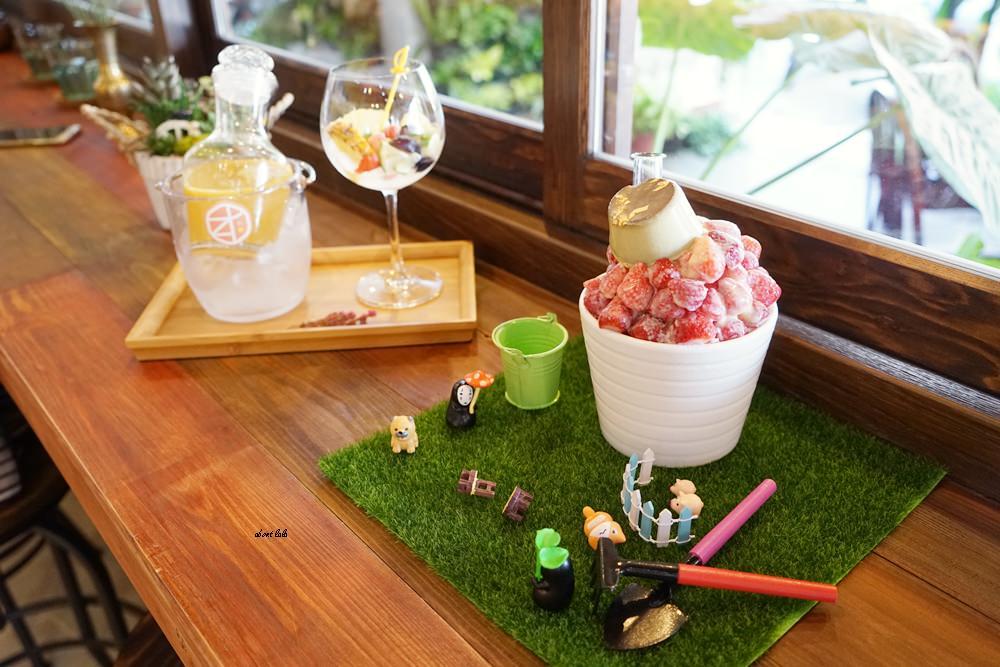20170607171150 74 - 台中南屯 作客青果冰室 超浮誇的新鮮果汁與復古文青風冰品推薦