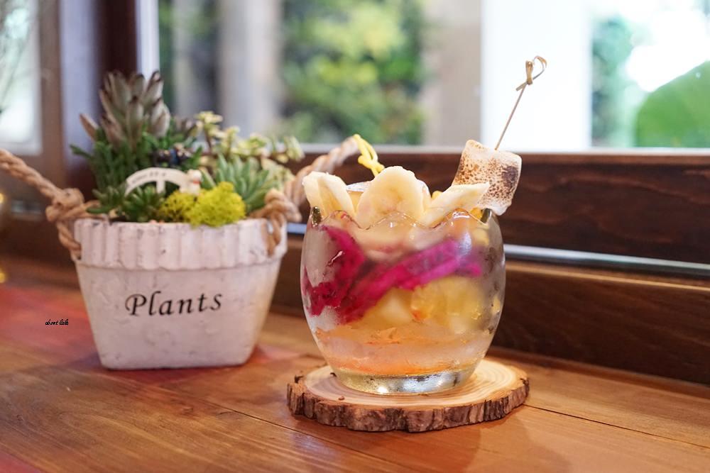 20170607171217 85 - 台中南屯 作客青果冰室 超浮誇的新鮮果汁與復古文青風冰品推薦