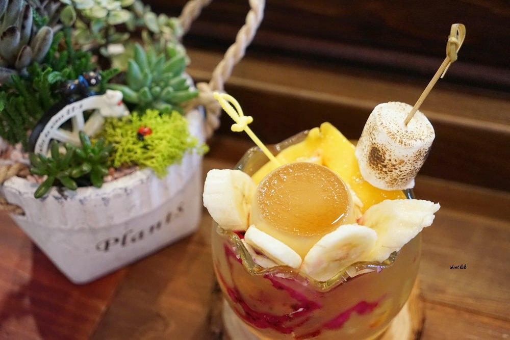 20170607171219 38 - 台中南屯 作客青果冰室 超浮誇的新鮮果汁與復古文青風冰品推薦