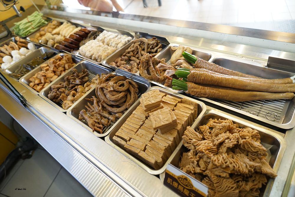 20171002140650 8 - 熱血採訪︱一中街 健美先生激炸滷味 銅板美食 食尚玩家 旅行應援團推薦