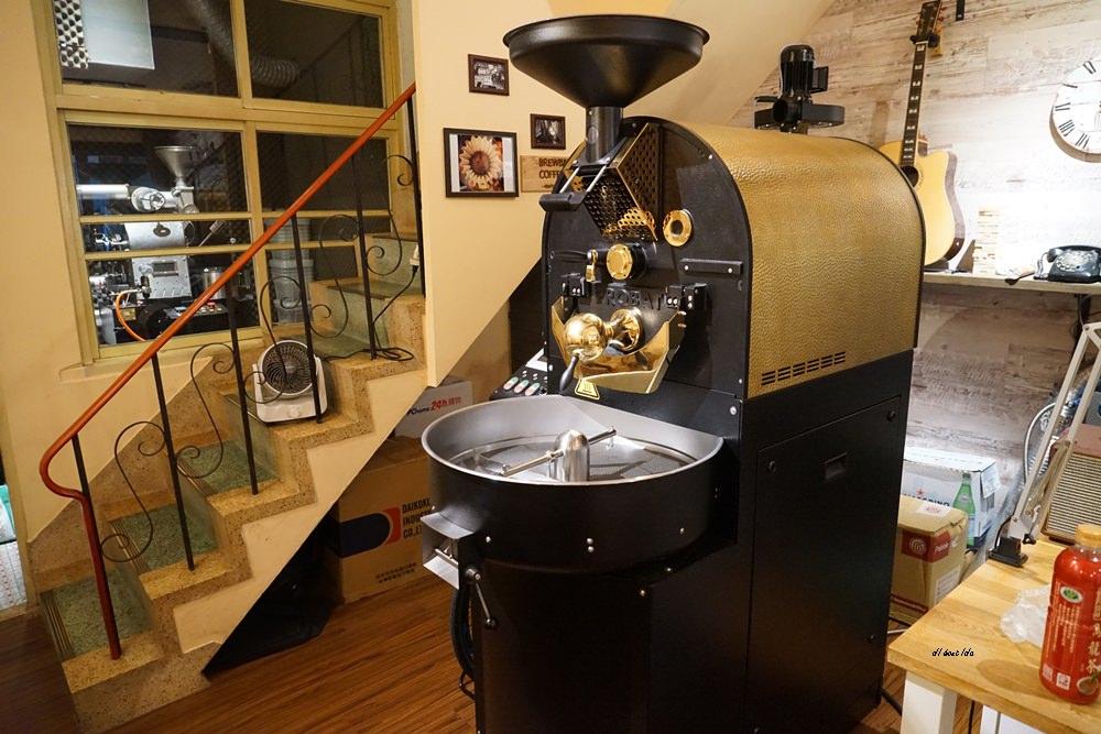 20171029141959 16 - 台中大甲│布魯本咖啡Brewband Coffee 有傳說中比Lady M還厲害的千層蛋糕