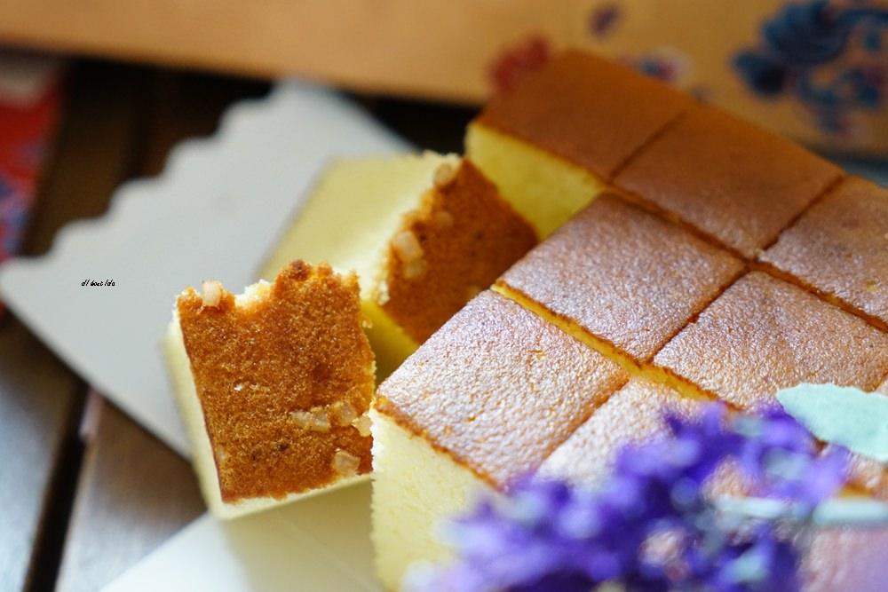20171127174947 40 - 熱血採訪│四月南風油飯 卡斯提拉蛋糕好吃推薦 正統日式長崎蛋糕 有脆脆雙目糖喔!