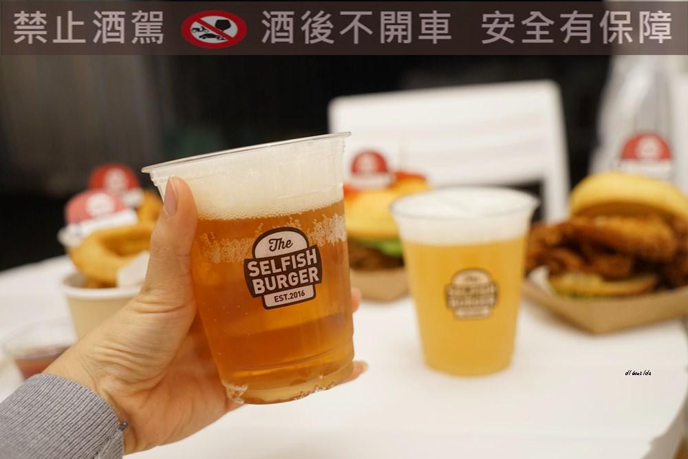 20171226182115 93 - 熱血採訪│台中UNO貨櫃市集 Selfish Burger喀漢堡 牛排等級的漢堡肉