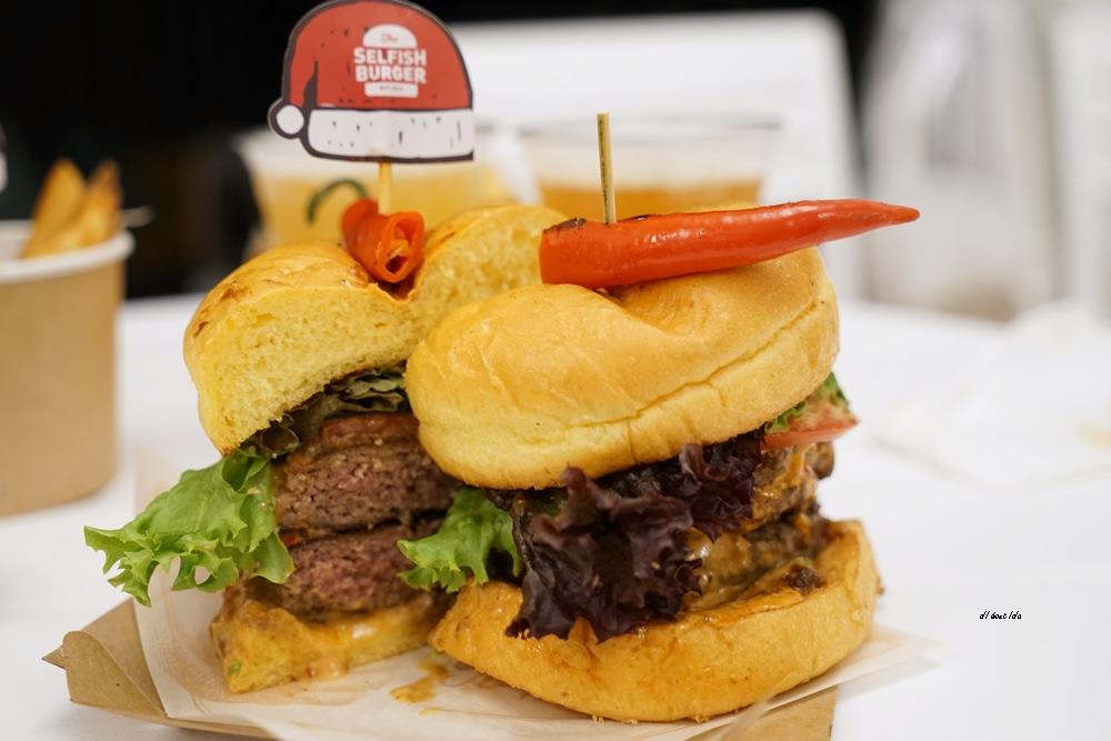 20171226182118 5 - 熱血採訪│台中UNO貨櫃市集 Selfish Burger喀漢堡 牛排等級的漢堡肉