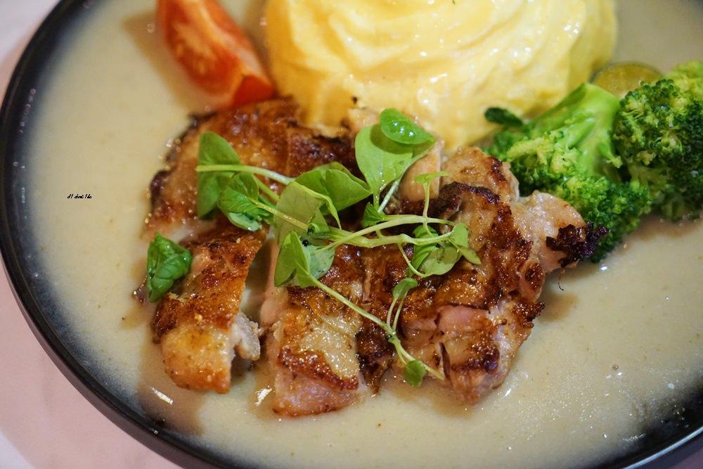 20180306174600 77 - 東海美食|N.N.Thai Thai 泰式料理餐廳 蘑菇新作 IG打卡熱門