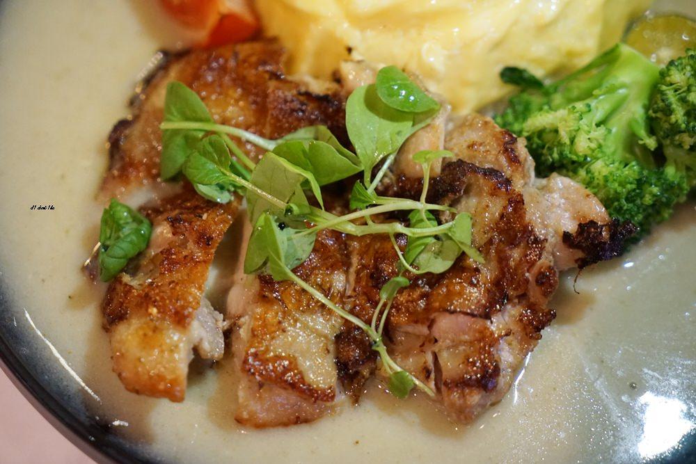 20180306174602 34 - 東海美食|N.N.Thai Thai 泰式料理餐廳 蘑菇新作 IG打卡熱門