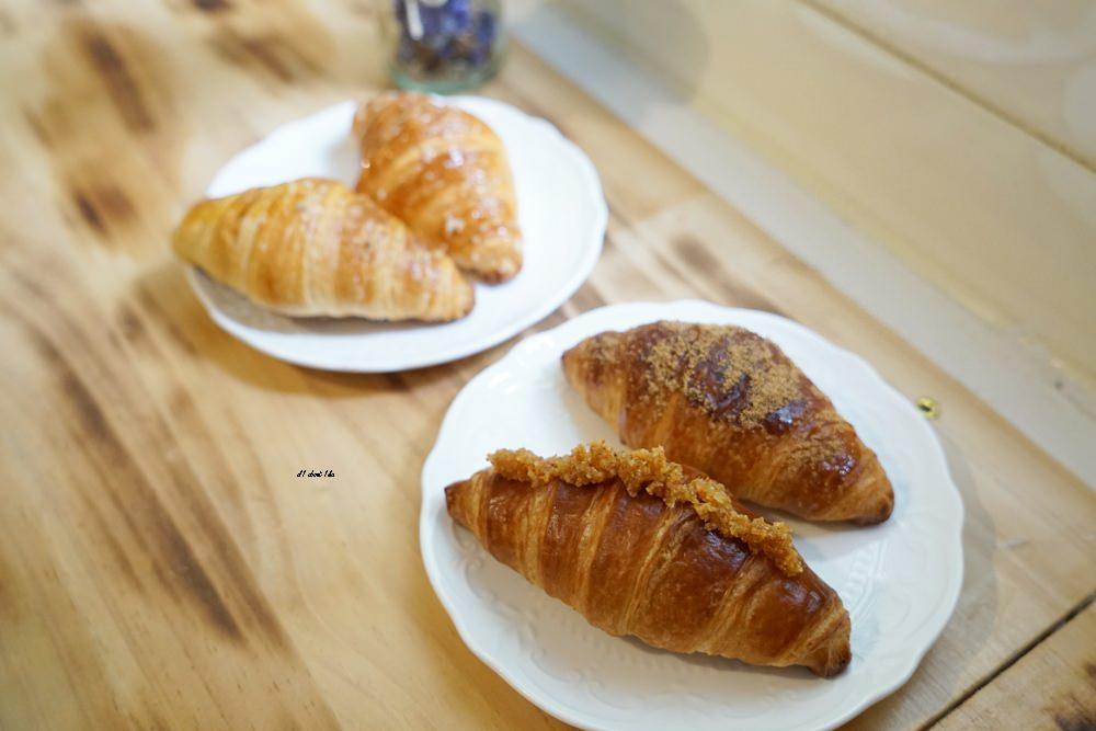 20180306212139 45 - 一中街美食|歐若拉 摩德年代新作 隱身在巷弄的好吃可頌 超多創意口味