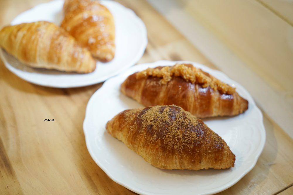 20180306212141 77 - 一中街美食|歐若拉 摩德年代新作 隱身在巷弄的好吃可頌 超多創意口味