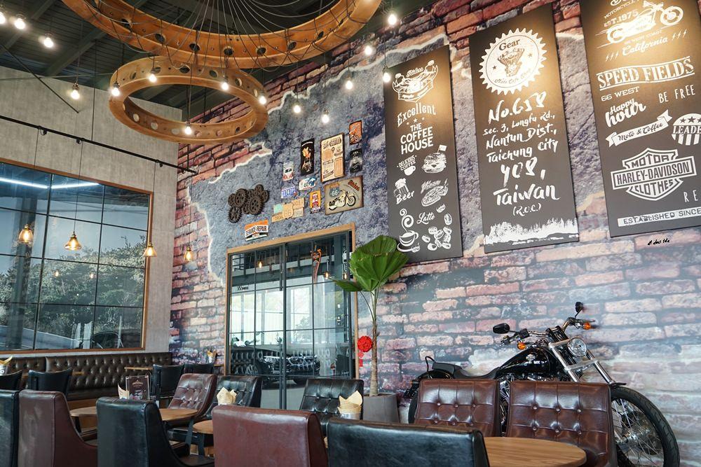 20180322164619 54 - 台中南屯|哈雷重機主題咖啡館 Gear moto coffee shop 極美!!
