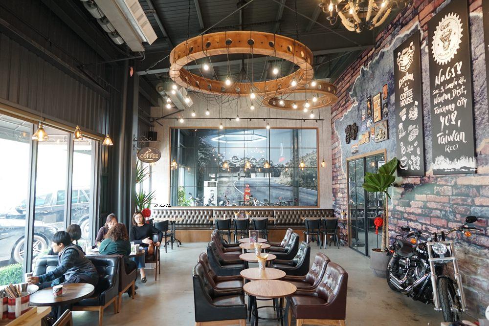 20180322164640 62 - 台中南屯|哈雷重機主題咖啡館 Gear moto coffee shop 極美!!