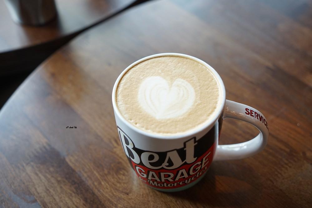 20180322164642 45 - 台中南屯|哈雷重機主題咖啡館 Gear moto coffee shop 極美!!