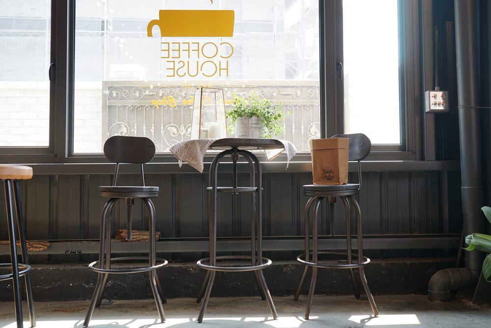 20180322164644 2 - 台中南屯|哈雷重機主題咖啡館 Gear moto coffee shop 極美!!