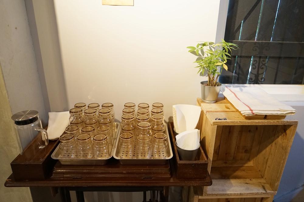 20180401212816 41 - 台中南區|學田有藝 在藝文氣息濃厚的木造老屋吃大人味的提拉米蘇