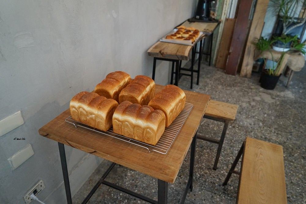 20180515230924 38 - 烏日超有味道的老宅咖啡館-楽珈 Coffee Roaster 還有好吃的手作麵包限量供應