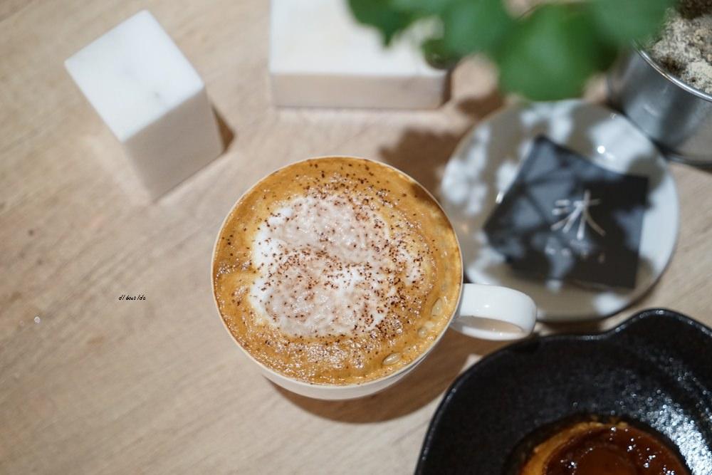 20180605203634 36 - 南區咖啡|沐cafe咖啡廳 焦糖布丁好好吃 輕簡工業風設計 有漂亮的木頭旋轉梯