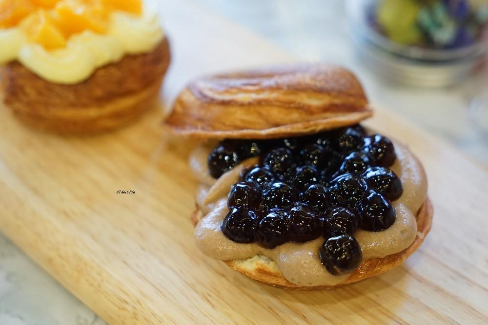 20180613204541 86 - 一中美食︱創意丹麥麵包 有爆漿珍珠奶茶口味 啡嚐丹麥-現烤可拿滋