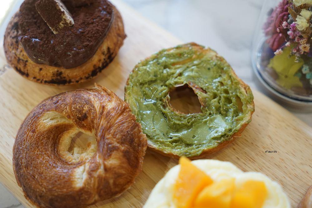 20180613204545 17 - 一中美食︱創意丹麥麵包 有爆漿珍珠奶茶口味 啡嚐丹麥-現烤可拿滋