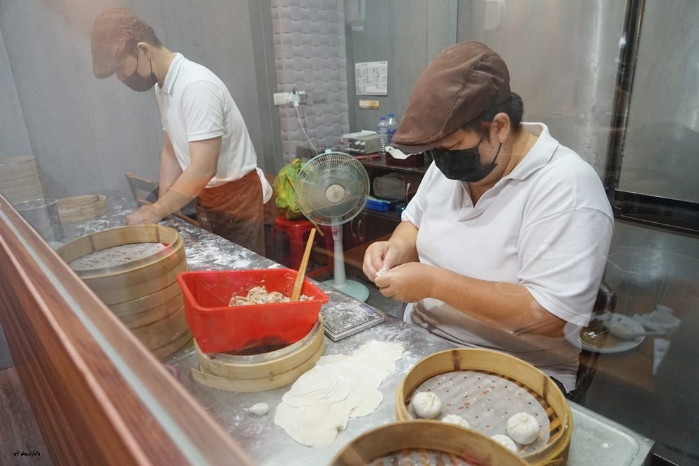 20180710142433 26 - 熱血採訪|皇宸饌小籠湯包 手工現做 超推薦蟹黃湯包 絲瓜蒸餃 水餃也好吃 近向上市場