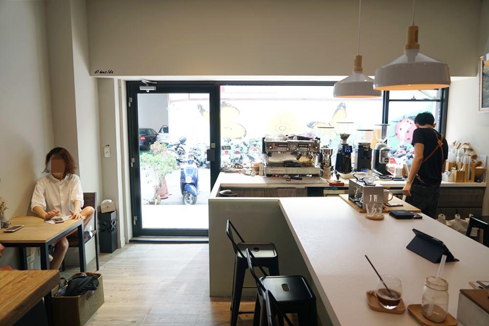 20180716160023 70 - 台中南屯︱超紅的層次感黑糖珍珠拿鐵 J.W. cafe