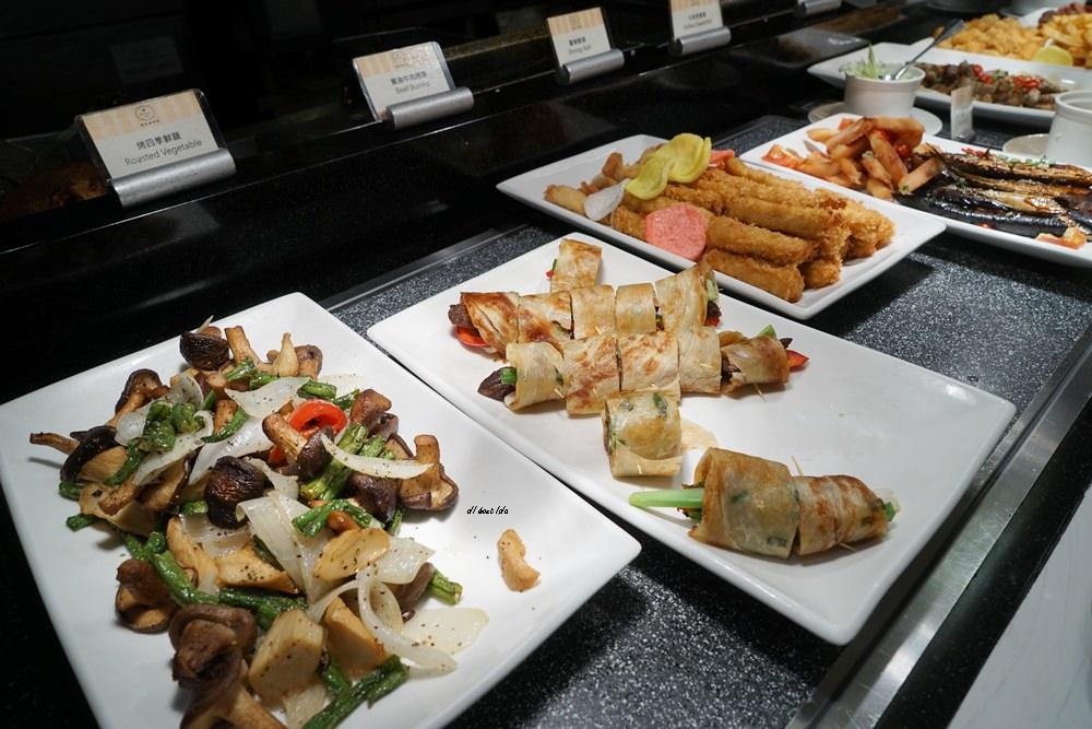 20180925133757 34 - 尾牙聚餐︱裕元花園酒店自助餐 溫莎咖啡廳buffet吃到飽 買餐券卡便宜