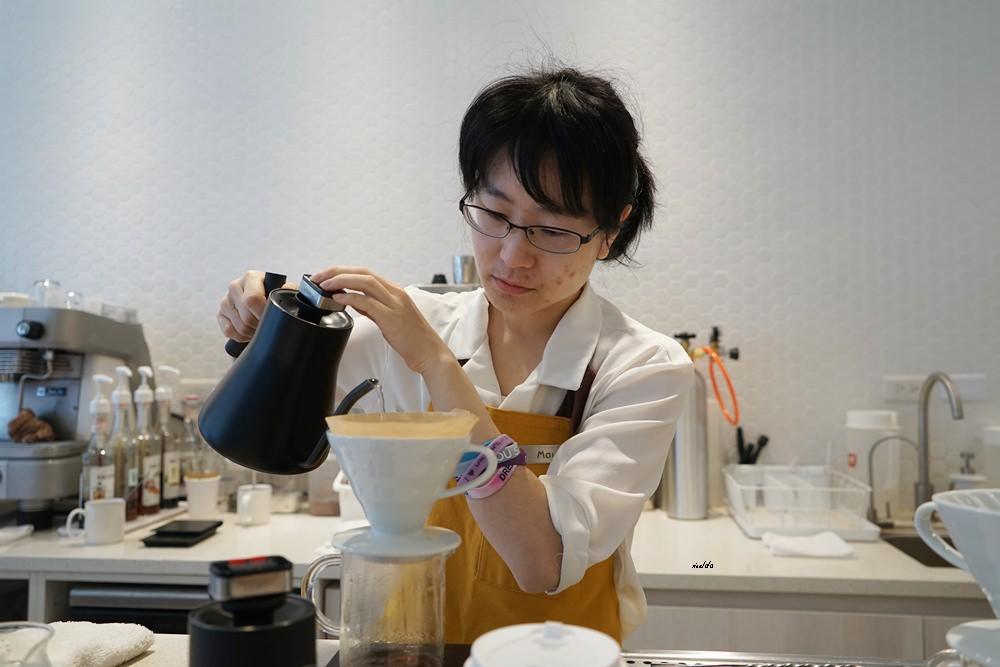 20190226221357 86 - 逢甲夜市超親民價格的質感咖啡館 櫻桃計畫Cherry Espresso 早餐就開賣