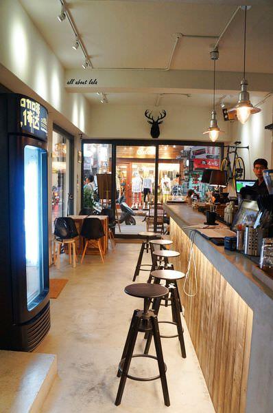 9ac0a5e0d112fb0cd9c2cc0f689a39d3 - [熱血採訪]逢甲佈達咖啡 厚鬆餅 三明治 下午茶 夜間搖身一變為酒吧