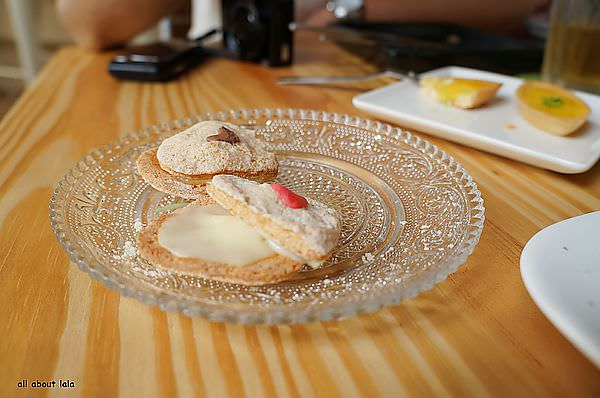 fcc3d8cc17332722718fdb016f1867b9 - 台中 日籍師傅坐鎮 LAbbito 輕茶館 點心超可愛 可麗餅好吃